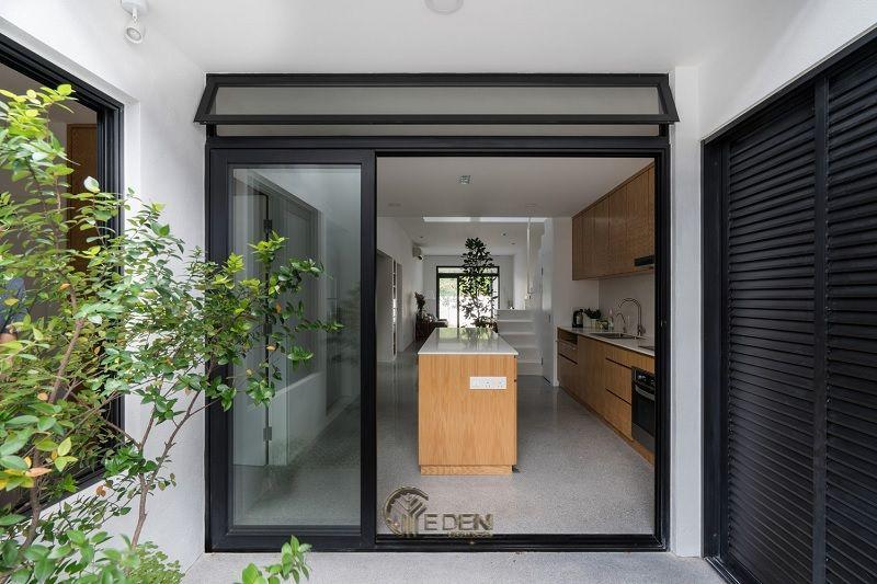 Mẫu thiết kế nhà cấp 4 7x12m hiện đại với không gian bếp tối giản, sạch sẽ
