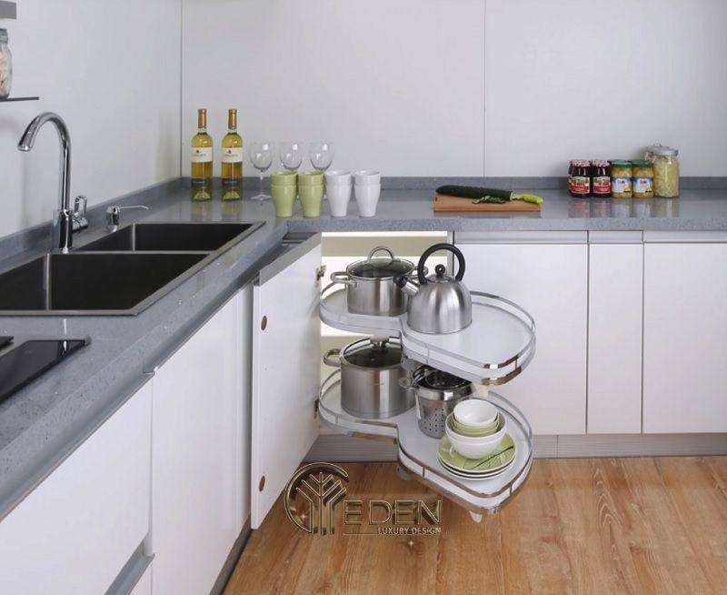 Khi thiết kế phòng bếp thì nên sử dụng 1 vài nội thất phòng bếp thông minh để biến không gian trở nên thông minh hơn