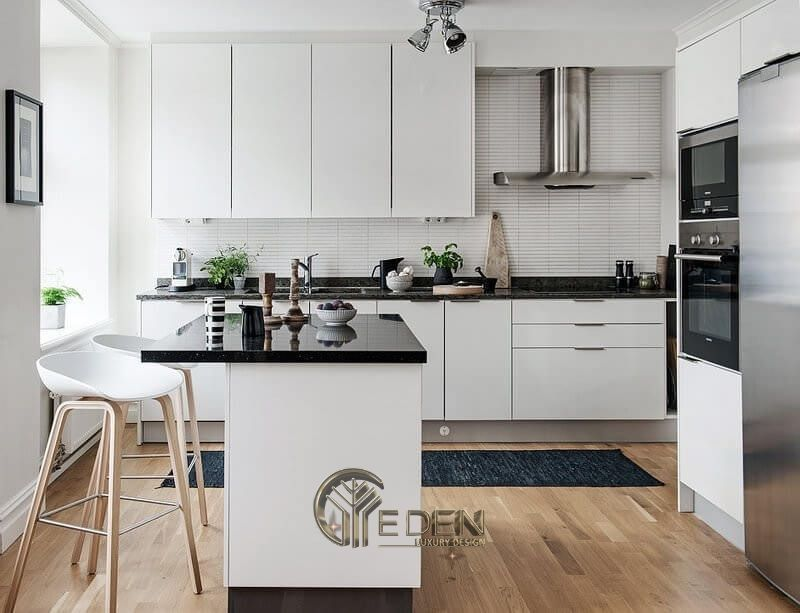 Thiết kế phòng bếp hiện đại với gam màu trắng ngà
