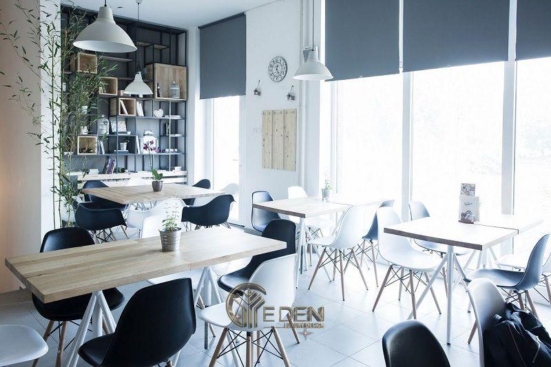"""Thiết kế quán cafe với phong cách """"Đen trắng"""" sáng tạo, tận dụng ánh sáng tự nhiên"""