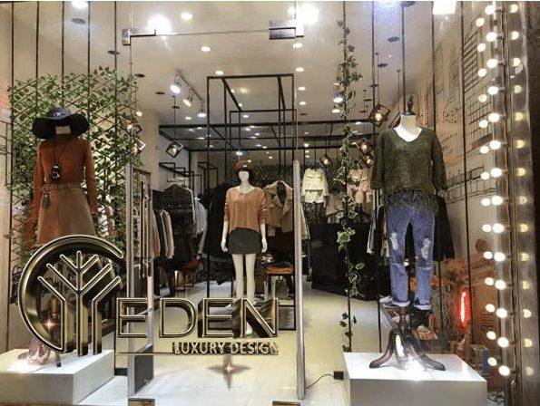 Thiết kế mặt tiền shop quần áo bắt mắt để thu hút khách hàng