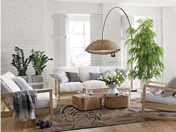 Sử dụng ghế sofa lớn cùng cây xanh trang trí