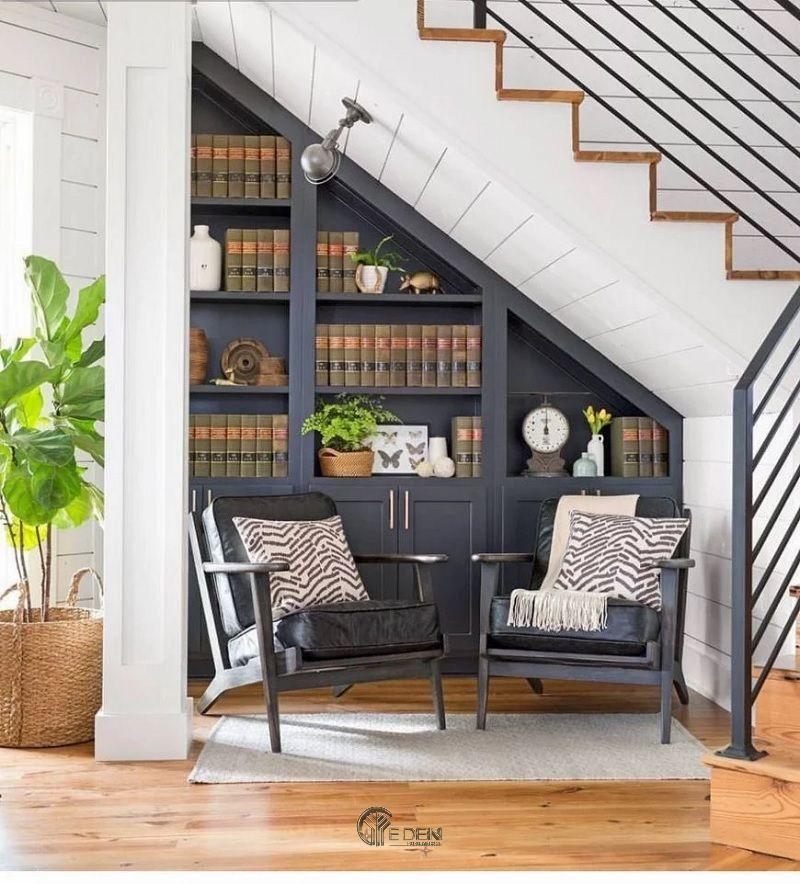 Thiết kế giá sách trang trí dưới gầm cầu thang mang phong cách tân cổ điển sang trọng