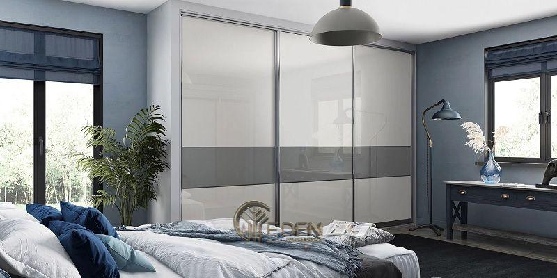 Mẫu thiết kế phòng ngủ tối giản với gam màu trắng, xám mang đến sự hài hòa, sang trọng