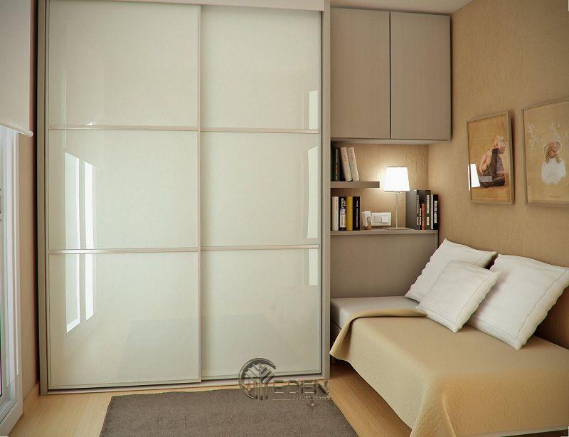Mẫu thiết kế phòng ngủ nhỏ. Với diện tích khiêm tốn cho một người, nếu bạn là người ưa thích mua sắm thì đừng ngần ngại sắm cho mình chiếc tủ lớn.