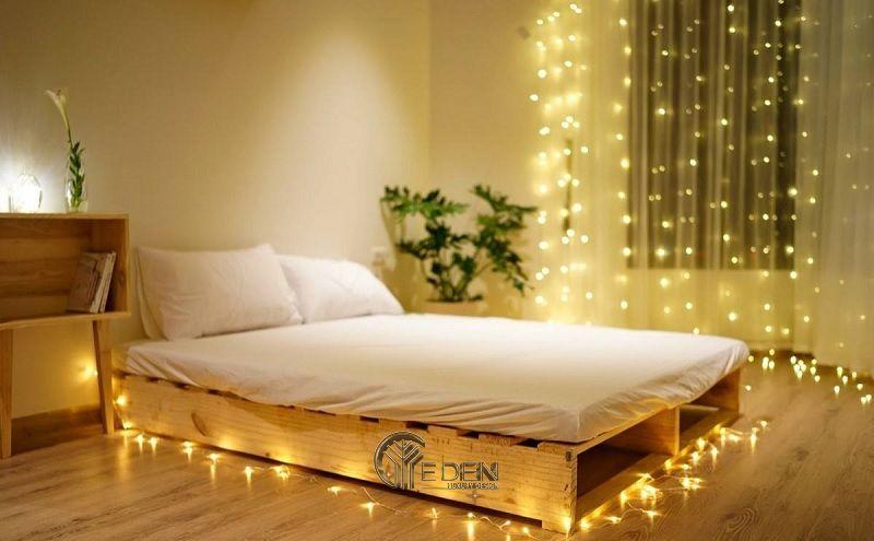 Mẫu giường gỗ trang trí kết hợp đèn led tạo điểm nhấn (1)