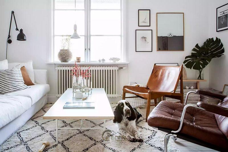 Mẫu thiết kế phòng khách với màu trung tính trắng và nâu