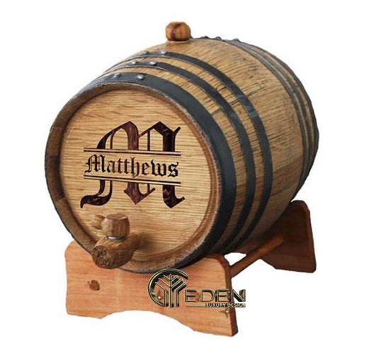 Thùng rượu được làm từ gỗ sồi