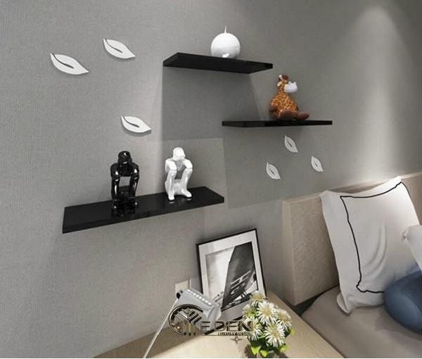 Kệ trang trí mang lại tính thẩm mỹ cho căn phòng