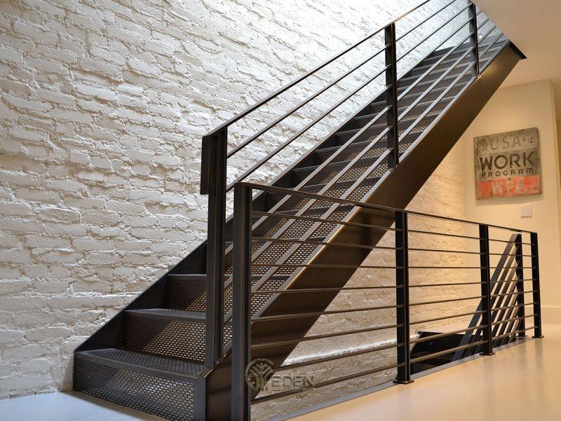 Mẫu cầu thang bằng sắt mang xu hướng độc đáo, sáng tạo đến cho ngôi nhà (1)