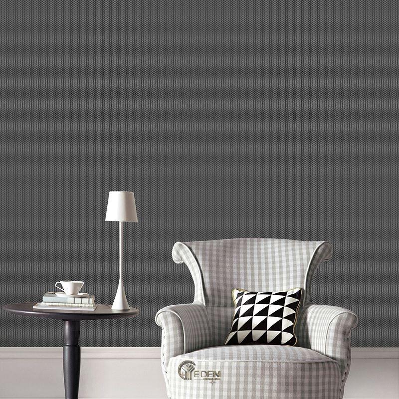 Mẫu phòng khách với giấy dán tường sọc đen khác biệt