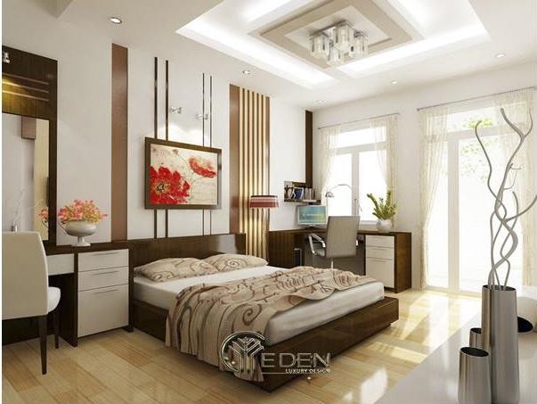 Tranh ảnh vừa làm không gian đỡ trống trải vừa tăng vẻ đẹp của căn phòng