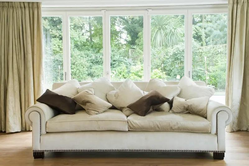 Đặt vị trí sofa không phù hợp