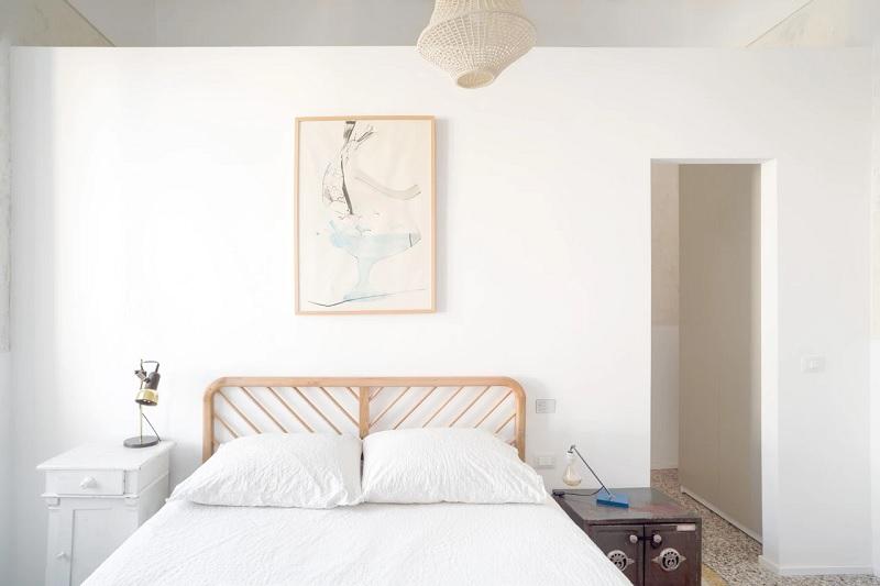 phong cách tối giản, đồ nội thất thường mang tính đơn giản hóa với đường nét mềm mại, mảnh mai.