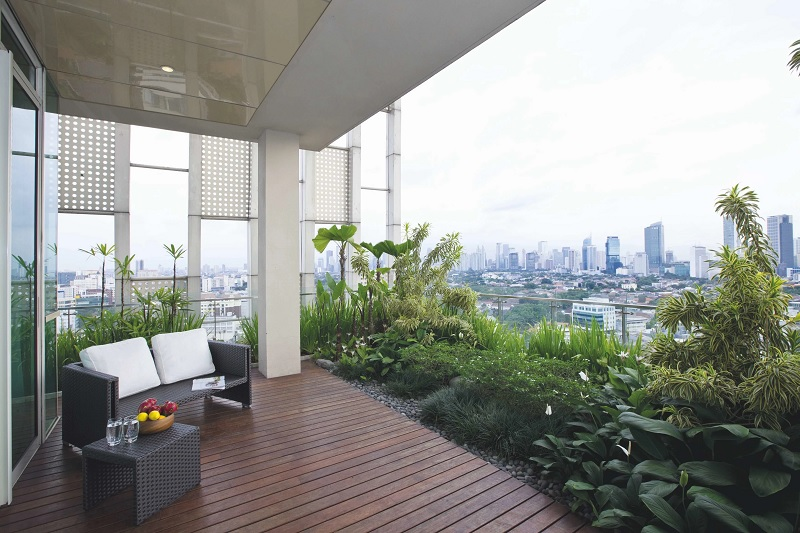 Nội thất nhà phố đẹp với thiết kế vườn cây ban công