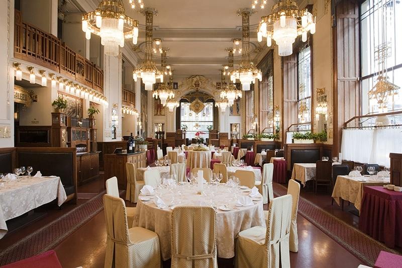 Thiết kế nội thất nhà hàng đẹp Cổ điển 2