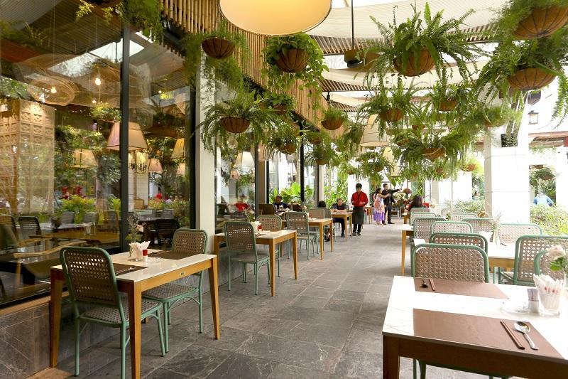 Thiết kế nội thất nhà hàng theo phong cách Xanh 1