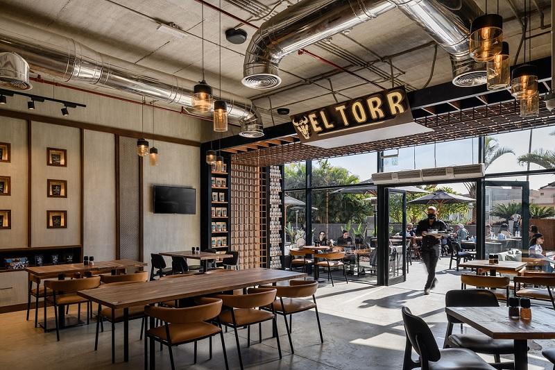 Thiết kế nội thất nhà hàng theo phong cách mộc mạc, giản dị 1