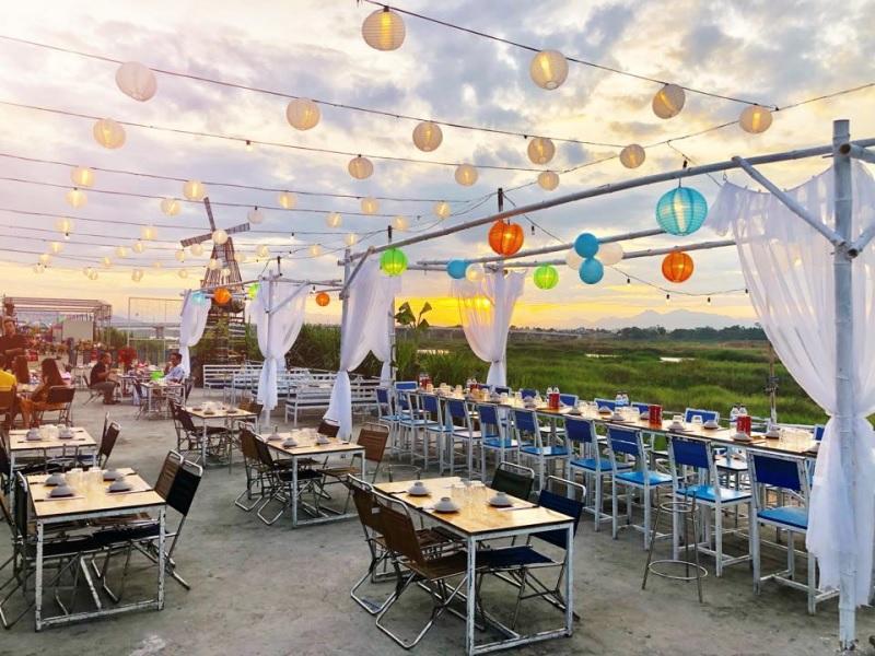 Mẫu thiết kế nhà hàng ăn uống phong cách sân thượng 4