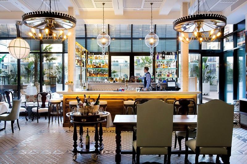 Thiết kế nội thất nhà hàng Tân cổ điển đậm đà chất riêng 3