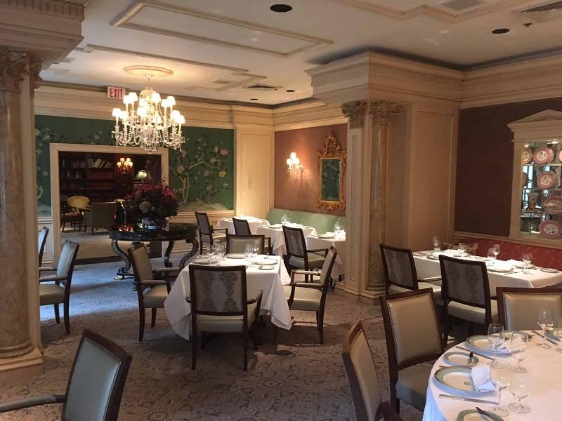 Thiết kế nội thất nhà hàng Tân cổ điển đậm đà chất riêng 5