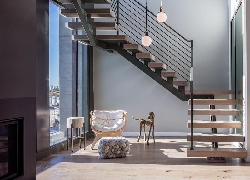 """Cầu thang là một khu vực """"thông dẫn luồng gió"""", là một nơi phong thủy quan trọng của ngôi nhà."""