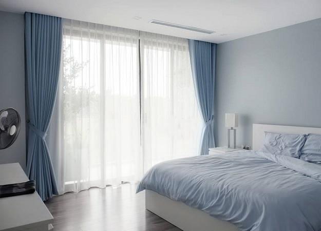 Thiết kế rèm cửa đồng bộ với màu sắc không gian phòng