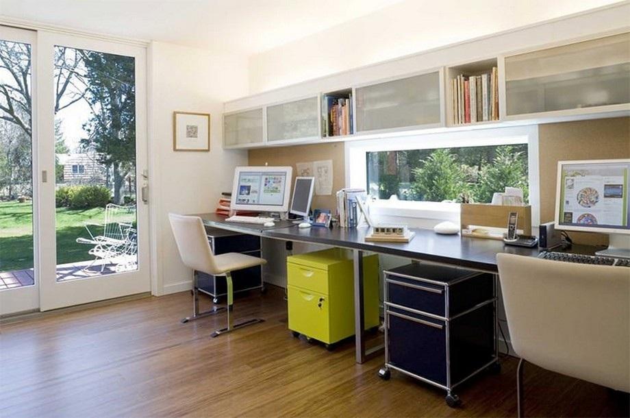Thiết kế bàn làm việc hướng ra ngoài cửa sổ để dễ dàng tiếp nhận ánh sáng