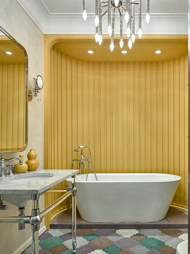 Mẫu phòng tắm với sắc vàng quý phái