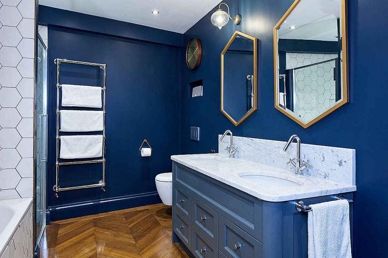 Mẫu phòng tắm đẹp gam màu xanh quý phái, sang trọng