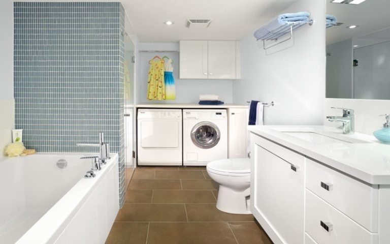 Thiết kế phòng giặt phơi đẹp tích hợp với không gian phòng tắm kết hợp nhà vệ sinh tiện nghi