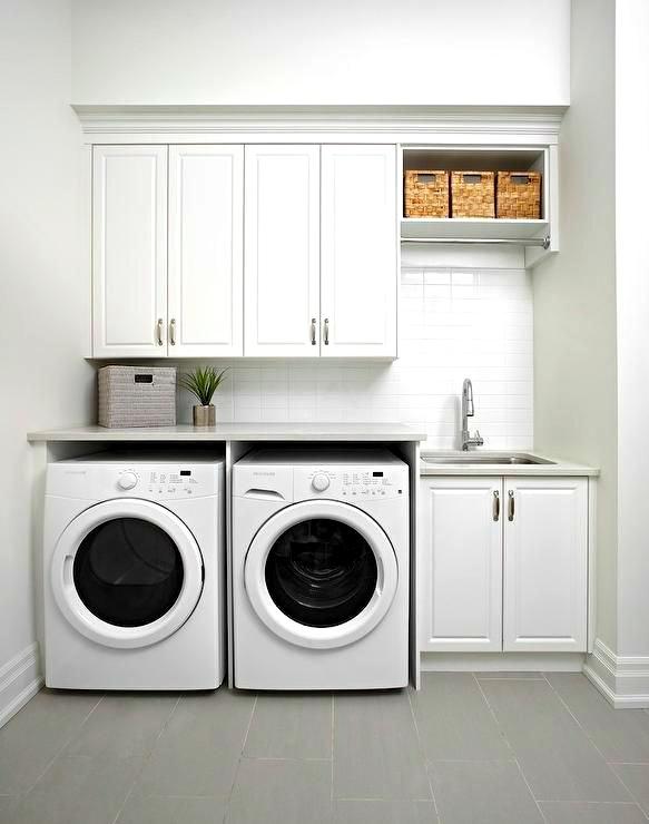 Thiết kế sử dụng tông trắng chủ đạo cho phòng giặt phơi đẹp tươi sáng và hiện đại