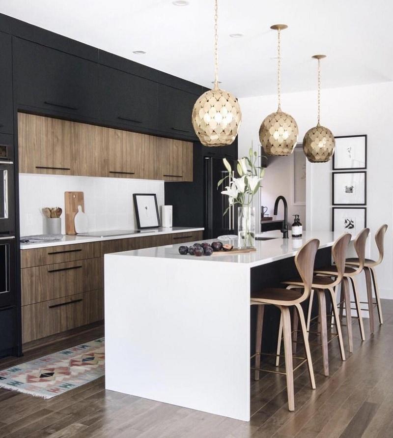 Mẫu trang trí phòng bếp mang sắc đen huyền bí