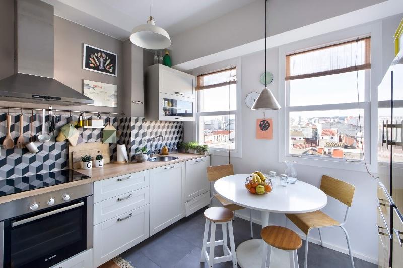 Mẫu phòng bếp với gam màu trung tinh nhẹ nhàng cho gia đình trẻ, mới cưới