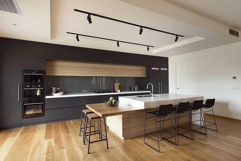 Tủ bếp gỗ Acrylic với đảo bếp hiện đại