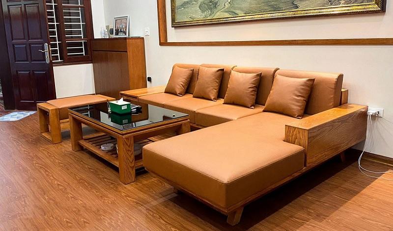 Đây là dòng gỗ nhập khẩu từ Bắc Mỹ, Đông Âu và được nhiều gia đình lựa chọn để ứng dụng vào việc trang trí nội thất gia đình.