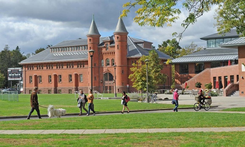 Đại học Wellesley - bang Massachusetts - Mỹ