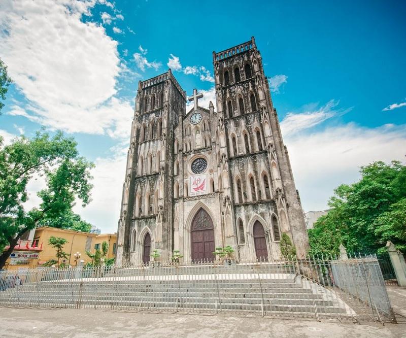 Nhà thờ lớn được thiết kế theo kiến trúc nhà thờ Gothic tại Hà Nội