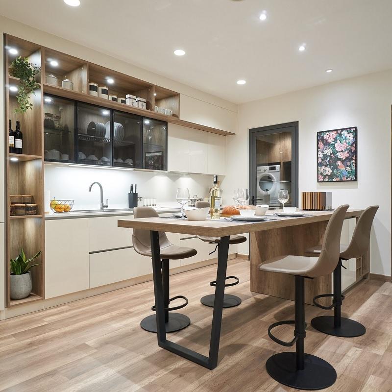Ý tưởng 2: Mẫu thiết kế nhà bếp cho chung cư hiện đại, sang trọng