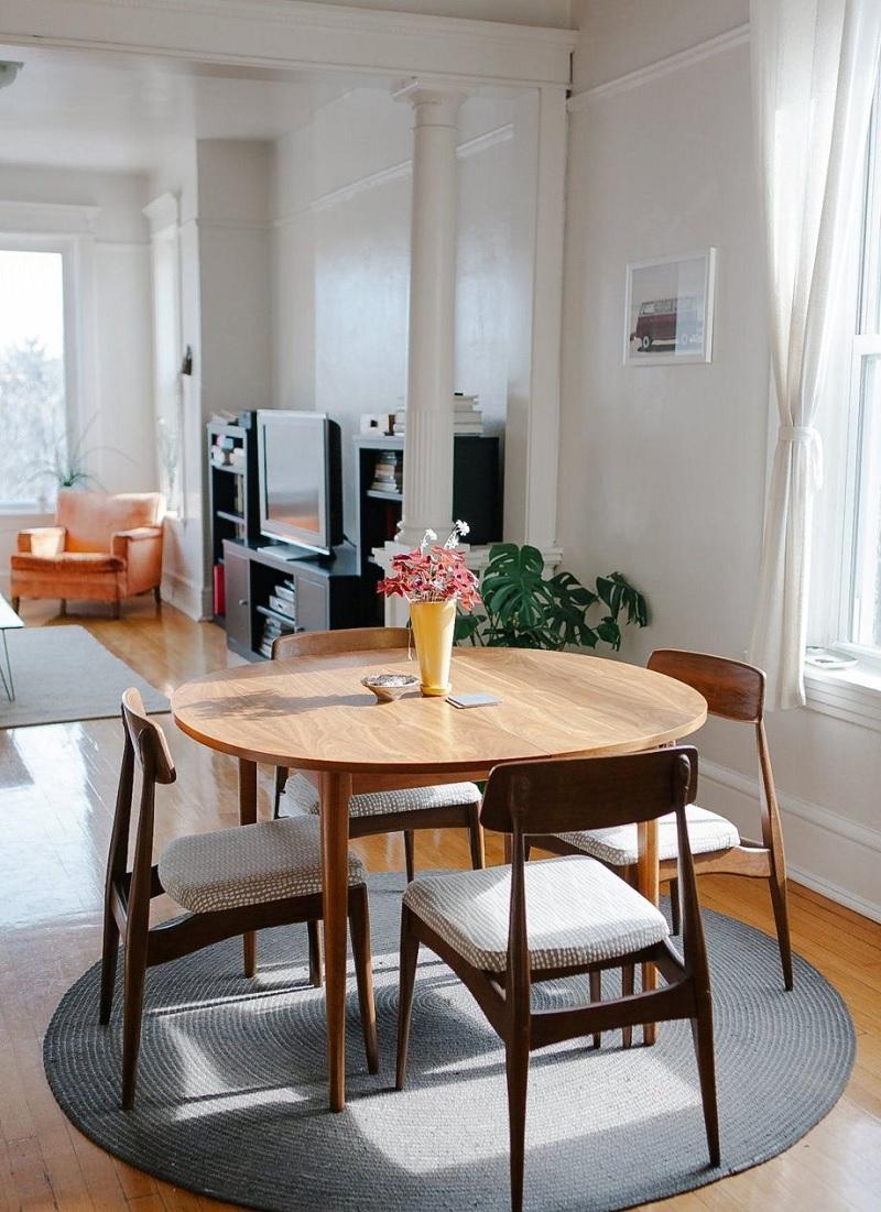 Gia đình từ 5 người có thể ngồi quây quần với nhau với dáng bàn tròn