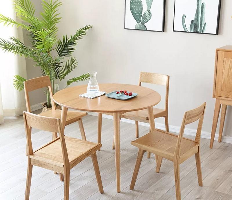 Mẫu bàn tròn 4 chân nhẹ nhàng dành cho mọi gia đình