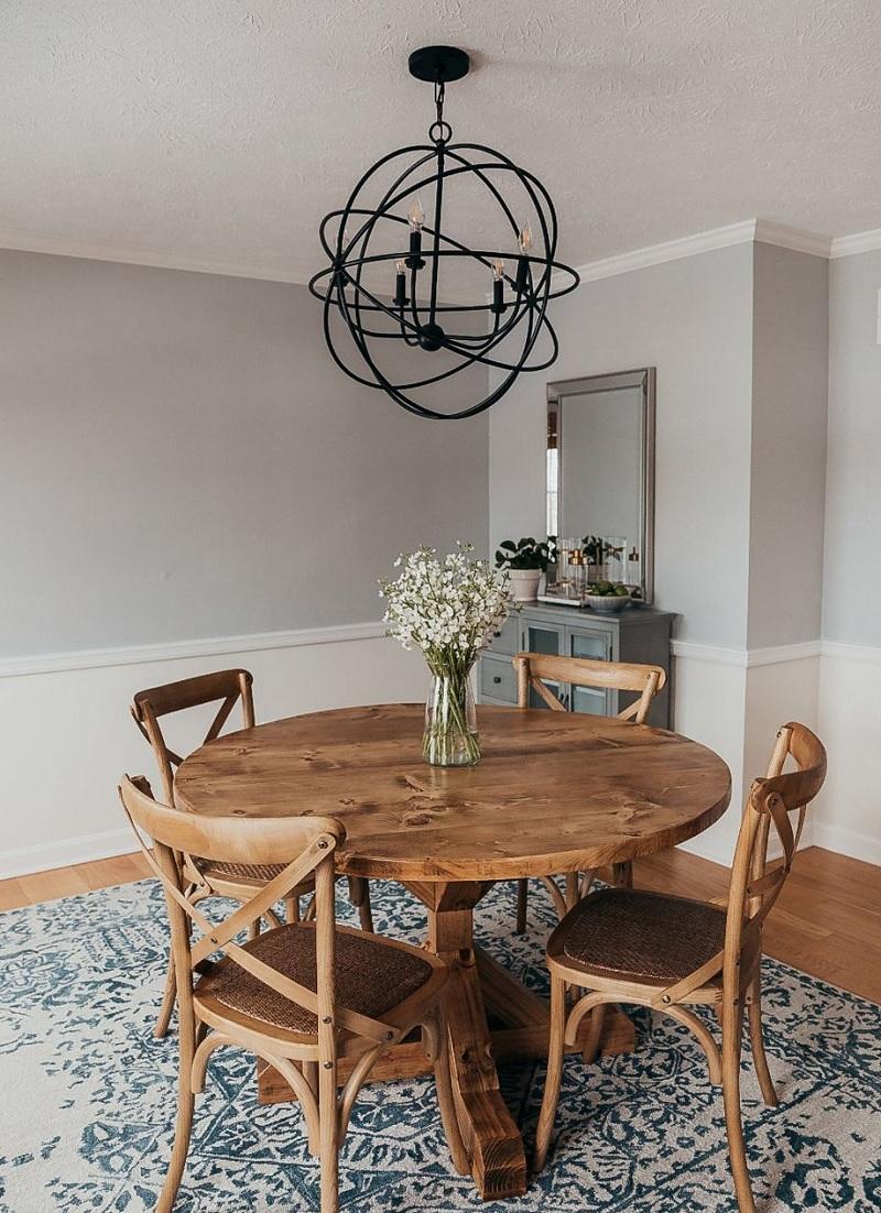 Mẫu bàn tròn đơn giản, truyền thống và giản dị