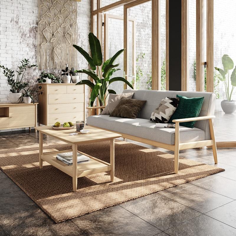 Bộ bàn ghế phòng khách làm từ gỗ cây cao su. Phù hợp với những phong cách tối giản, mộc mạc