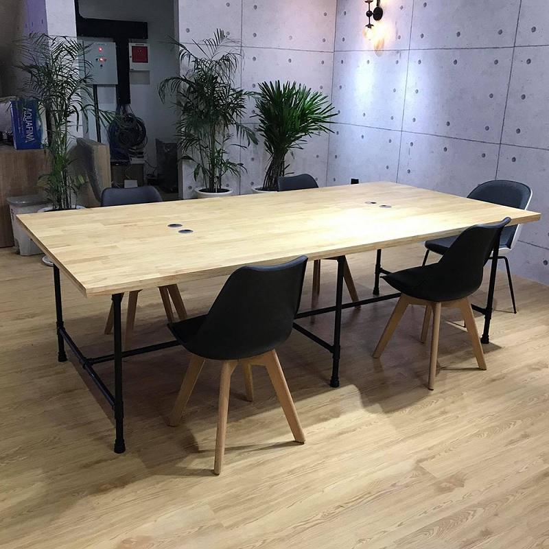 Mẫu bàn làm việc cho nhân viên