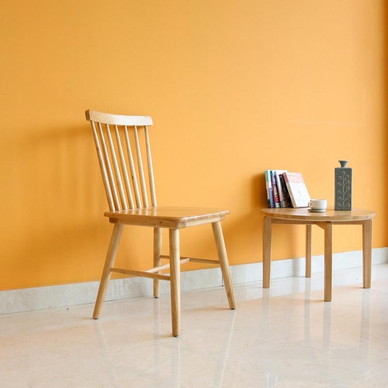 Nội thất với chất liệu cây gỗ cao su có giá thành rẻ hơn các dòng gỗ khác