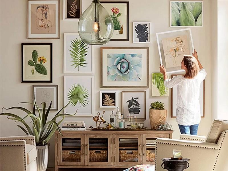 Khung tranh từ gỗ ghép sẽ tạo nên một không gian nghệ thuật đơn giản nhưng màu sắc của gỗ sẽ giúp cho bức tranh ở nên có điểm nhấn hơn
