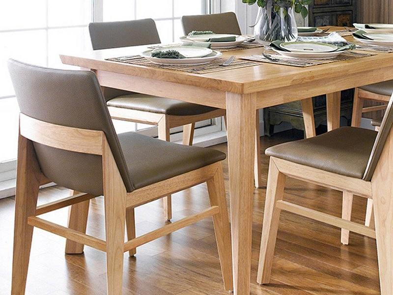 Do chúng được ghép với nhau, nên màu sắc trên về mặt của gỗ không được đồng đều, các vân, các nét không được tinh xảo.