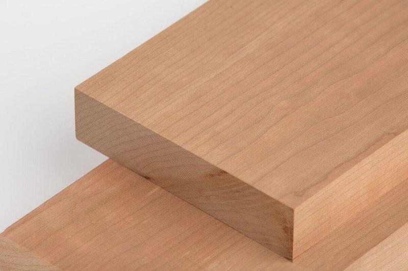 Trong quá trình gỗ không được sấy kỹ thì chúng dễ bị hỏng do mối mọt.