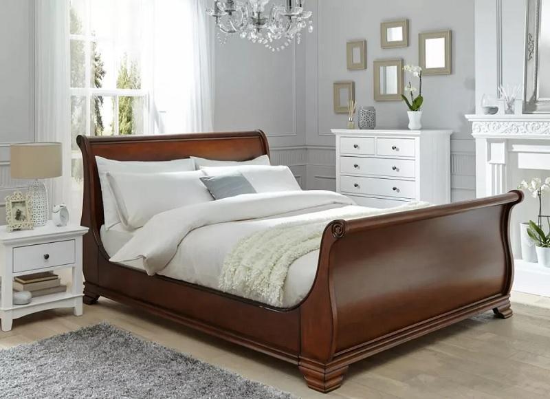 Mẫu giường gỗ xoan dành cho phòng ngủ phong cách cổ điển và tân cổ điển