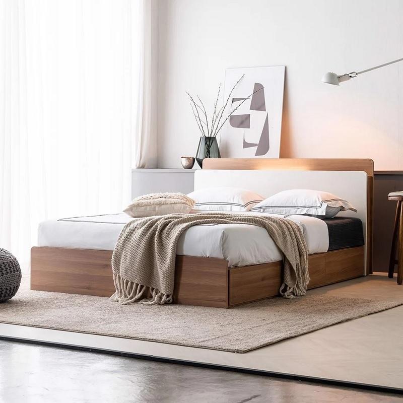 Mẫu giường gỗ xoan dành cho phòng ngủ các bạn trẻ thích sự nhẹ nhàng, đơn giản nhưng vẫn giữ được những nét tinh tế khác biệt